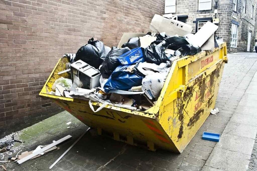 Czego nie można wyrzucać do śmieci?